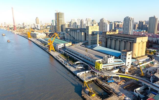 工业遗存重焕生机 航拍改造后亚洲最大散粮筒仓