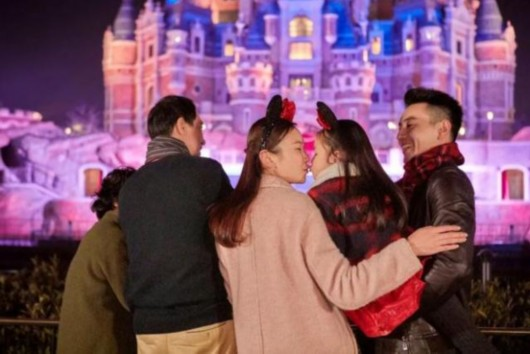 上海迪士尼推年末特惠 四人同行一人可免单门票