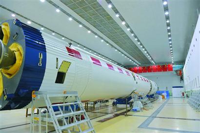"""""""上海造""""长征二号火箭奔赴酒泉卫星发射中心"""