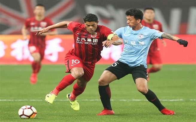 足球——中超联赛:上海上港胜大连一方