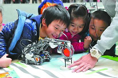 市青少年科技创新大赛 长宁区中小学七成获奖