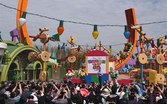 上海迪士尼新园区开幕