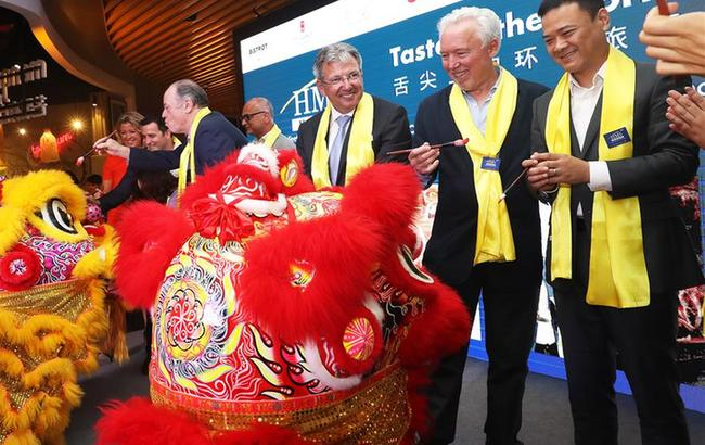 好食特4家中国首家门店亮相上海南京路