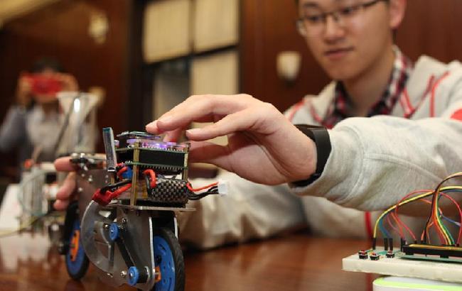 上海交通大学打造中美青年创客交流中心