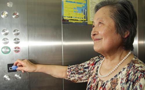 上海基层社区:网格党建助力破解老旧住宅加装电梯难题