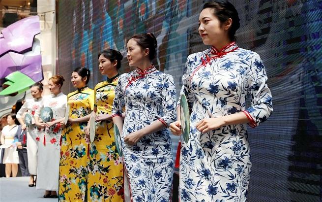 迎接进口博览会窗口服务展示日巡礼活动在沪举行