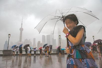 """应对台风""""温比亚"""",申城严阵以待"""