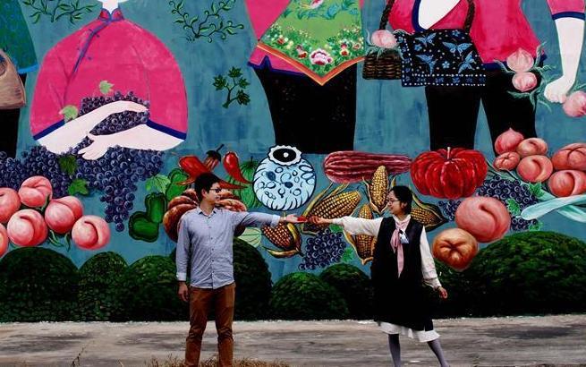 """上海金山有个""""壁画村"""""""