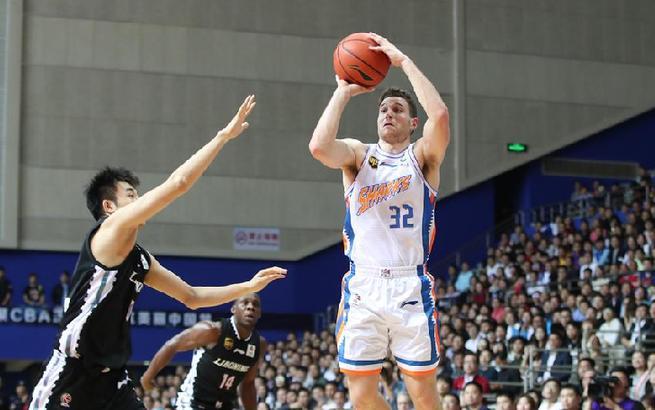 篮球——CBA:上海哔哩哔哩胜辽宁本钢
