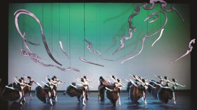 中央芭蕾舞团携舞剧《敦煌》亮相上海