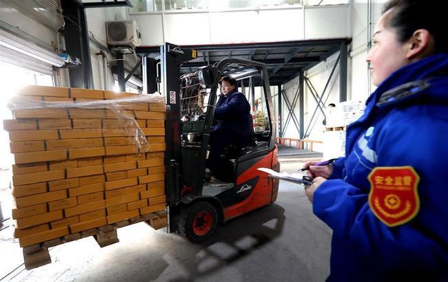 上海:冷链运输年货到西部