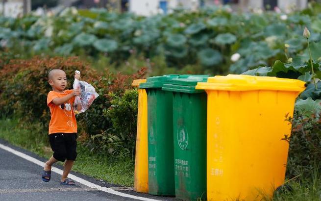 垃圾分类进了村