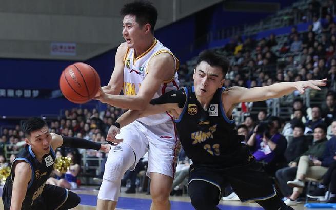 篮球——CBA:上海哔哩哔哩胜南京同曦大圣