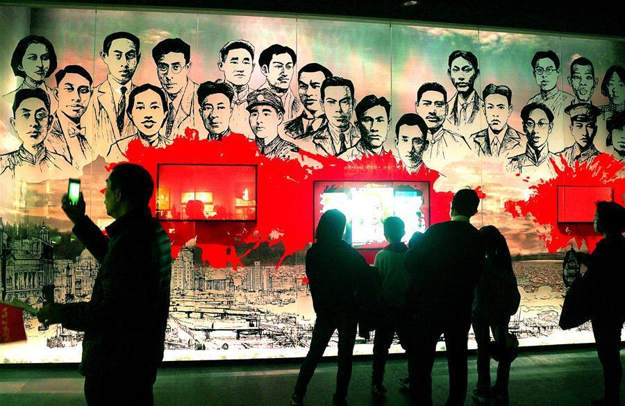 上海:清明祭英烈