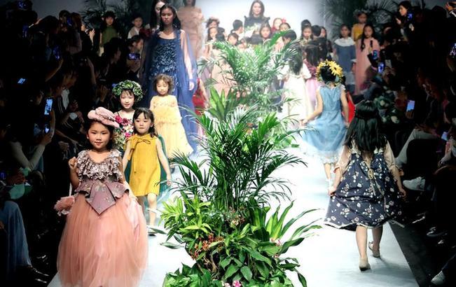 上海:春天里的童装秀