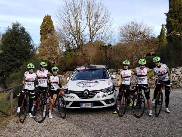 意大利舍维托女子职业自行车队
