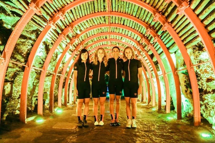 美国光影女子职业自行车队