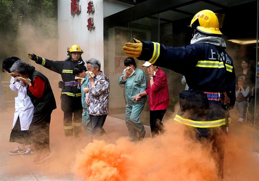 消防演練走進養老院