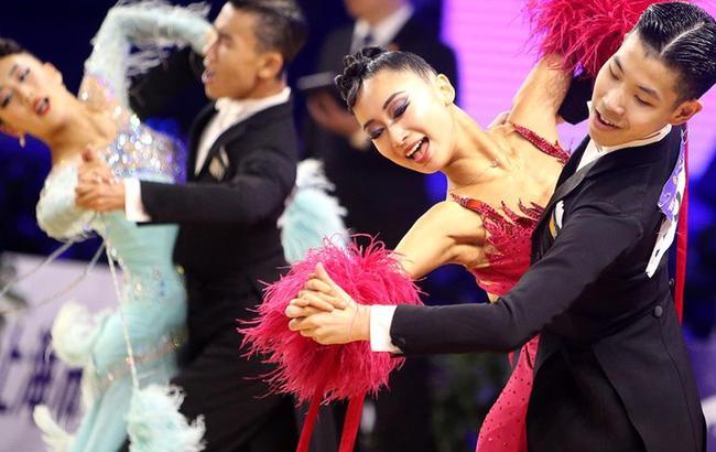 中国体育舞蹈公开系列赛上海站开赛
