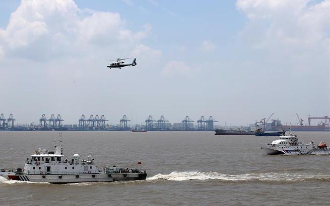 上海舉行國際郵輪海上救生應急演習