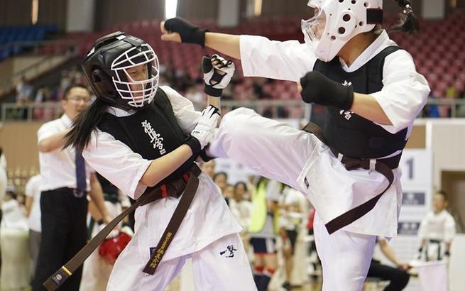 分量制空手道锦标赛在上海举行