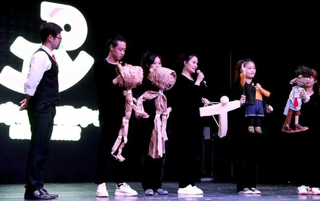 """上海:在豫園""""偶""""遇童年"""