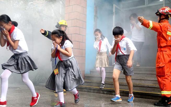 上海:消防安全进课堂