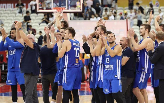 篮球世界杯5至8名排位赛:捷克队胜波兰队