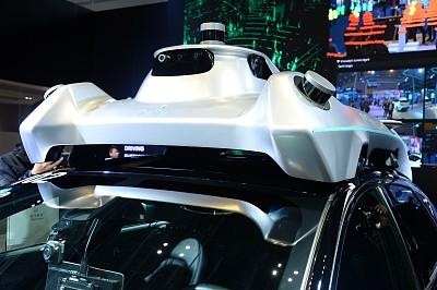 上海颁发智能汽车应用牌照,自动驾驶还有多远?