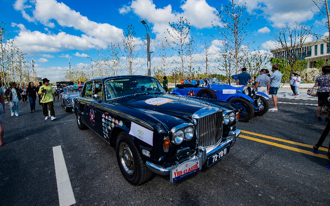 视频|奉贤大美的色彩 老式汽车的荣光