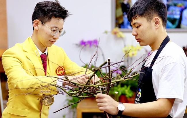 上海举行职业教育巡访活动