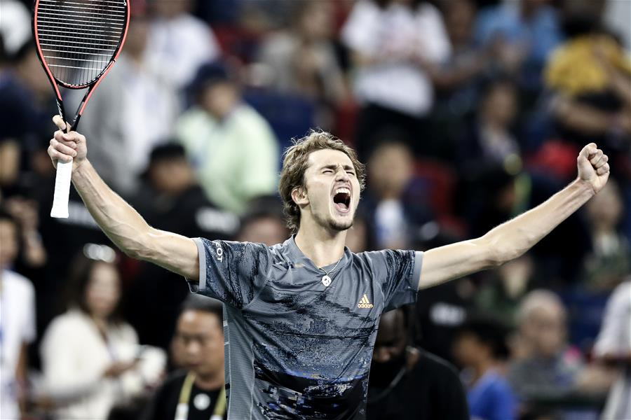 网球——上海大师赛:兹维列夫晋级半决赛