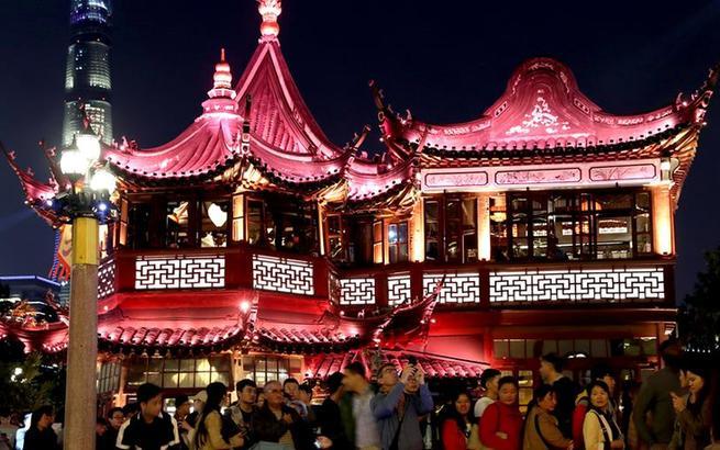 上海豫园:流彩明灯更璀璨 夜间经济更亮眼