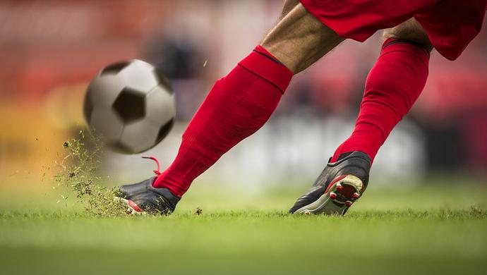 國足選拔隊在滬集訓 李鐵要求珍惜為國效力機會