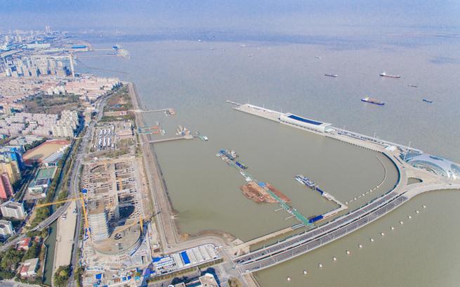 """【飞""""阅""""长江经济带】吴淞口邮轮港见证上海国际航运中心建设"""