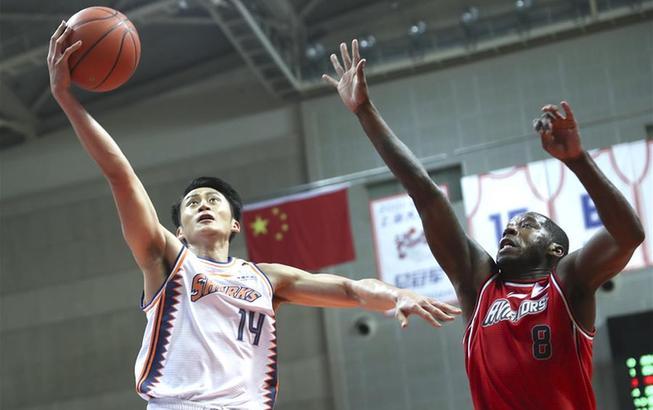篮球——CBA常规赛:上海久事胜深圳马可波罗