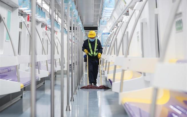 上海地铁:加大消毒力度 保障乘客安全