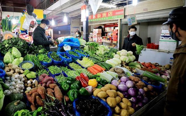 上海:保证菜篮子 打赢防疫战
