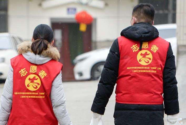 """上海基层社区推出抗疫""""公益剪"""""""