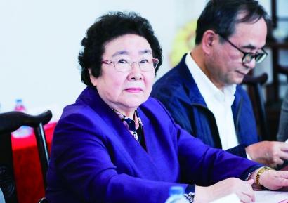 上海市科技功臣奖得主陈亚珠:有妙手也有仁心