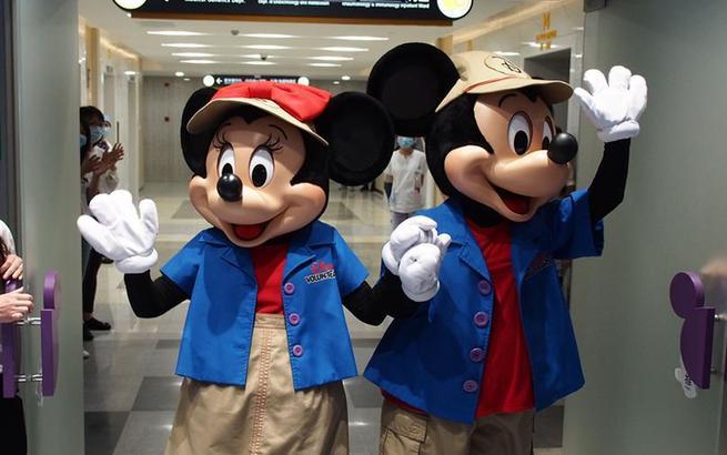 上海儿童医学中心启用全新迪士尼欢乐屋