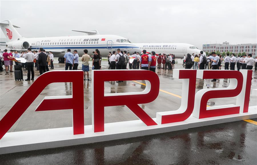 国产新支线客机ARJ21进入我国主流航空市场