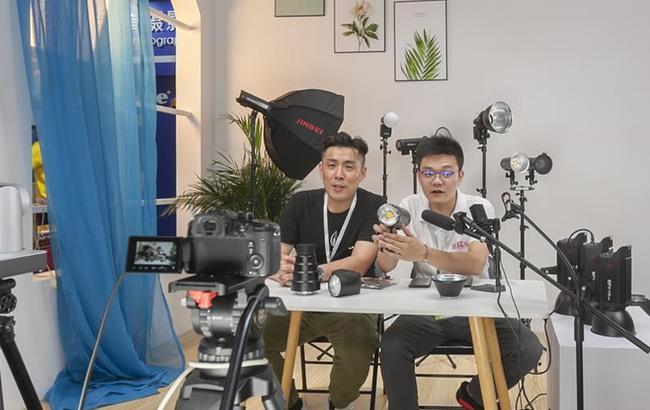 上海:三展会联动 助力复工复产