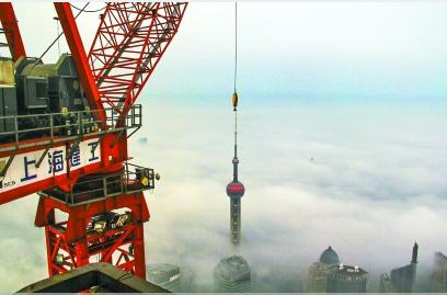 """塔吊室裏,雲端見證上海不斷""""成長"""""""