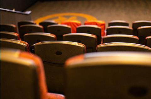 7月20日起低風險地區電影院恢復營業 需隔座售票
