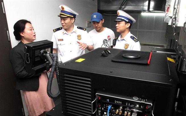 上海:迎接电影节 消防严检查
