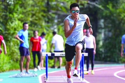 与自己和时间赛跑 二百米飞人谢震业分享奥运备战
