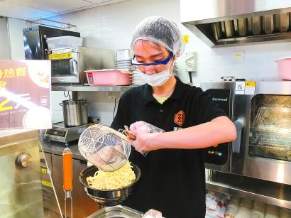 煎餅果子來一套!上海便利店以后可以現做早飯啦