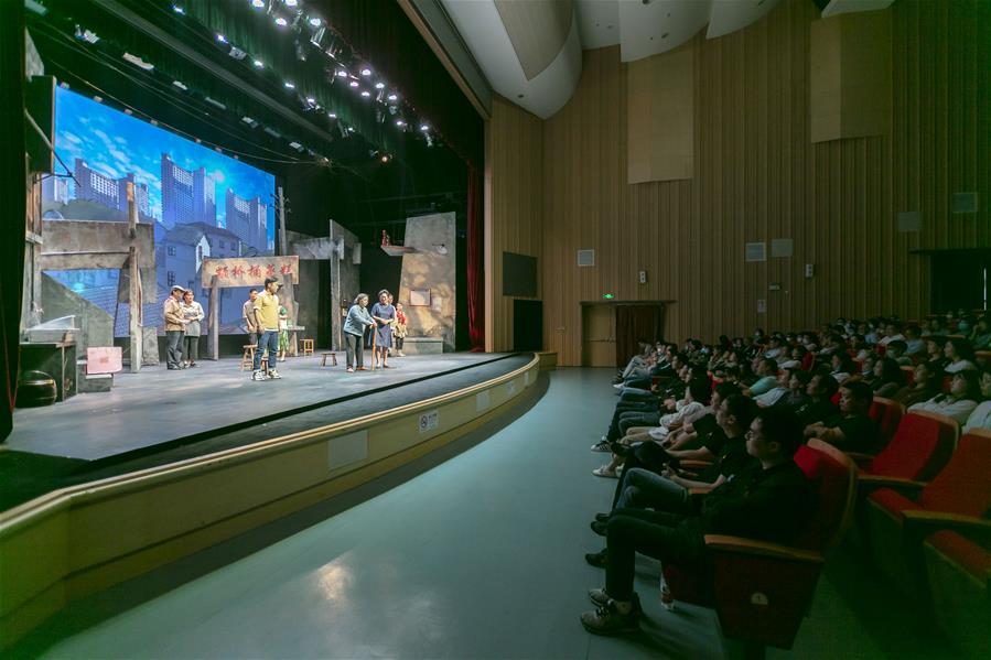 上海:展演原创话剧 服务社区居民