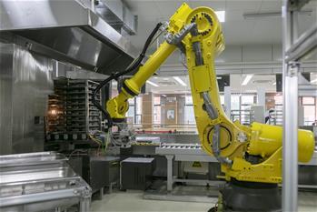上海:校园里的人工智能食堂